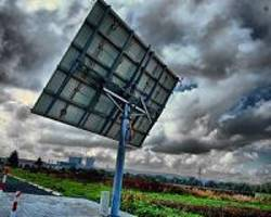 et solar builds large scale solar power projects in uk